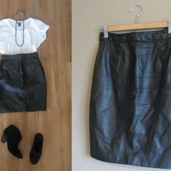 vintage 80s Skirt / Leather Mini / Button Details / Black