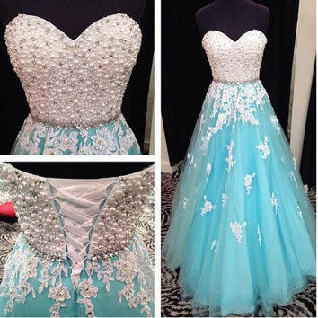 Elegant Sweetheart Prom Dresses with Pearls