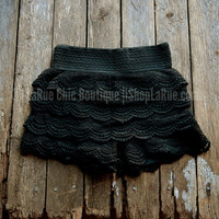 THE MARILYN LACE SHORTS IN BLACK