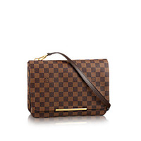 Products by Louis Vuitton: Hoxton GM