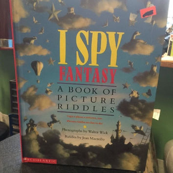 I Spy Fantasy A Book A Picture Riddles By Walter Wick Riddles By Jean Marzollo