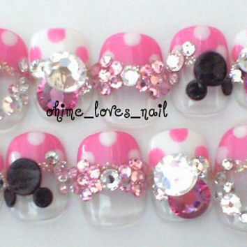 Mickeys polka dot nails