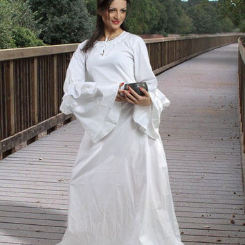 Anne of Cleves Medieval Chemise White
