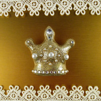 Crown Magnet - Handmade Glittery Gold Crown - Refrigerator magnet - Kitchen Decor - Princess gift - Golden - Glam magnet collection