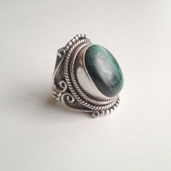Huge Vintage Sterling Silver Malachite Ring Size 7 1/2 Intricate Detail Roping