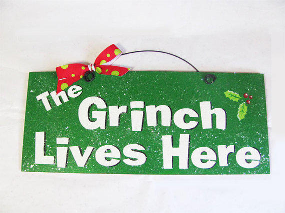 Quot The Grinch Lives Here Quot Decor From Diamonddustdesigns