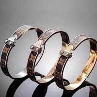 "LV ""Louis Vuitton"" Retro Women Men Stylish High end Bracelet(3-Color) I"