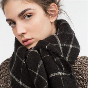 New Big Square Cashmere Wool Scarf for Women and Girl in Winter Autumn Thick Soft Plaid Classic Black White140*140CM