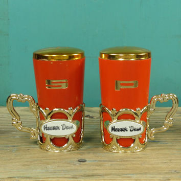 Mid Century Salt and Pepper Shakers • Orange Wooden Shakers in Fancy Gold Plastic Holders • 1950s Kitsch • Hoover Dam Souvenir • Japan