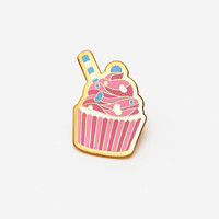 Cupcake: Pretty Pink Hat Lapel Pin
