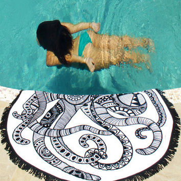Summer Beach Round Black White Blanket [9022760324]