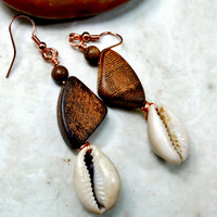 Earthy Earrings, Boho Earrings, Cowrie Shell Earrigs, African Earrings, Beach Earrings, Beach Jewelry, Dangle Earrings, Tribal Earrings