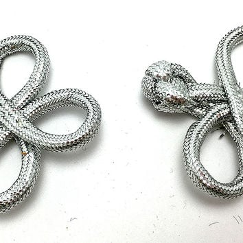 "Frog Closure Metallic Silver Rope 1.75"" x 1.5"""