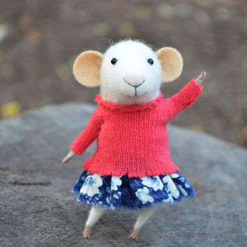 Little Coquet Mouse  Needle Felted Ornament  by feltingdreams