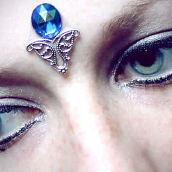 Crystal Lake Bindi, blue faceted glass, iridescent, fairy, goddess, tribal fusion, facial jewelry, skin gem, fae, gypsy, mermaid, fantasy
