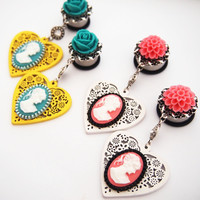 Glamsquared — Garden Party Love Cameo Dangle Plugs
