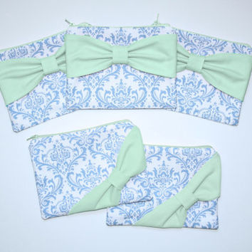 Bridesmaid Gift Set / Bachelorette Favors - French Blue Damask Mint Bow - Customizable Cosmetic Cases - Choose Quantity and Bow Style