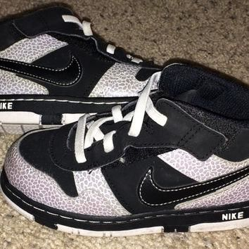 Sale!! Vintage Nike Toddlers Better World Style 407662-010 Size 10 C kids' shoes