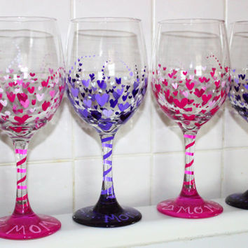 Mothers day gift, Hand Painted wine glass,  Heart painted wine glass