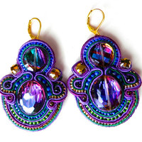THE BEETLES soutache earrings in purple and emerald with rainbow beads
