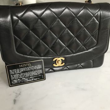 Authentic Vintage Chanel Lambskin Diana Shoulder Bag With Gold Chain