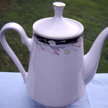Tienshan Fine China, Michelle Pattern, (1) Tea Pot/Coffee Pot w/Lid -
