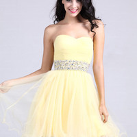 A-line Sweetheart Tulle Short/Mini Light Yellow Beading Homecoming Dress at dressestore.co.uk