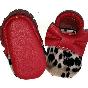 Moccasins Red Leather Bow Leopard suede on leather, girl, infant baby moccs Size Newborn to 8