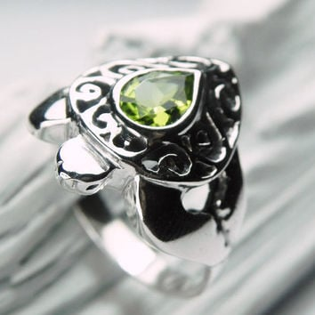 Turtle Ring - Sea Turtle Ring - Peridot Ring - Unique Silver Sea Turtle Jewelry - Ocean Inspired - Pea Green August Birthstone