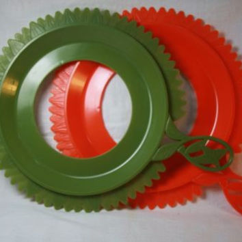 Plate Mate Vintage Green & Orange Sun Flower Picnic Ware Paper 2 Plate Holders