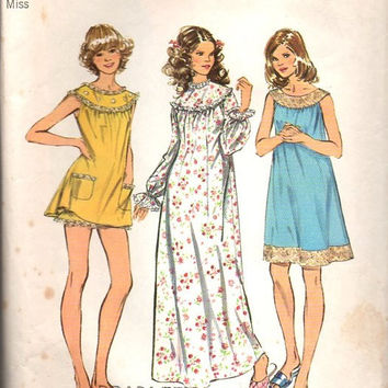 1970s Simplicity Sewing Pattern Size Large Nightgown Pajamas Babydoll Nighty Bloomers Panties Lingerie Bust 38