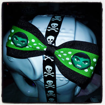 Geek Chic: Incredible Hulk Marvel Inspired Lime Green and Black Hair Bow