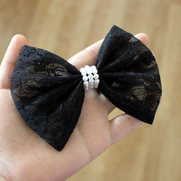 """4.5"""" Black lace hair bow, black hair bow, black hairbow, lace hairbow, black lace hair clip, black bow, black and white, pearls and lace"""