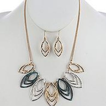 THREE RING Design Marquise HAMMERED METAL BIB  NECKLACE AND EARRING SET