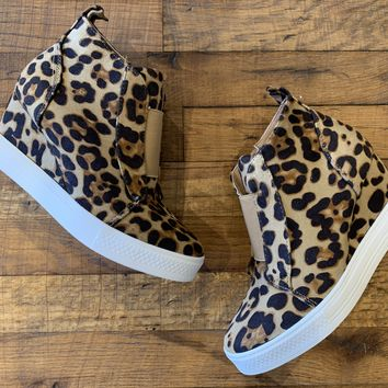 Winslet Wedge Sneaker in Leopard