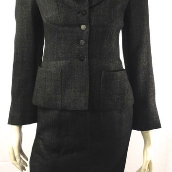 Chanel Two Piece Suit Size 2 (EU 36). Stylish!
