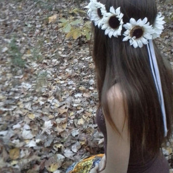 Sunflower Crown, Big Sunflower Headband, white  Sunflowers, Sunflower Halo, Sunflower Hair wreath, Sunflower Headpiece, Fall Flower crown