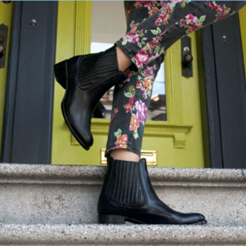 SUTRO® Cyril Chelsea Boot - Black