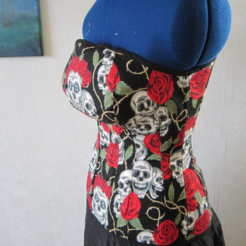 Skulls&Roses overbust corset top for curvy figure with Alexander Henry fabric