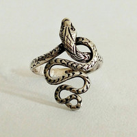 Vintage Ring | Snake | Sterling silver | Size 8 | Fertility | Transformation | Healing