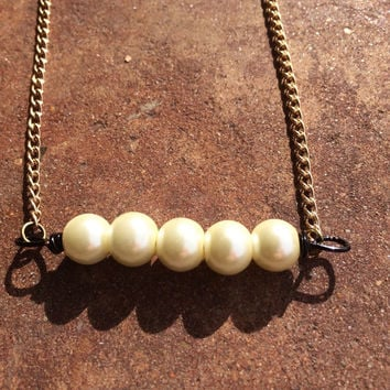 Simple necklace, simple jewelry, handmade jewelry, pearl necklace, pearl jewelry, unique jewelry, unique necklace, pearls, gift ideas