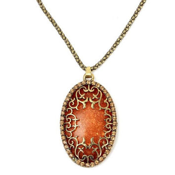 Vintage European style antique amber pendant necklace