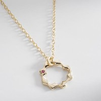 Round Star Iceland Lace Pendant