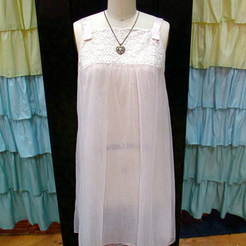 1960s Pale Pink Sheer Short Babydoll Nightgown Lingerie with Cream Floral Lace