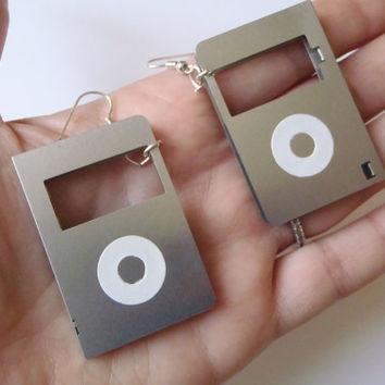 nerd floppy disk earrings geek computer vintage mp3 cover music gift hipster techie funny cool jewelry repurposed recycled lasoffittadiste
