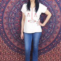 Vintage 70s White Mexican Hand Embroidered Flower Oaxacan Cotton Gauze Peasant Blouse S // M