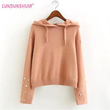 LUNDUNSHIJIA Women Hoodies 2017 Autumn Long Sleeve Crop Tops Casual Beaded Hooded Knitting Short Sweatshirts Moletom Feminino