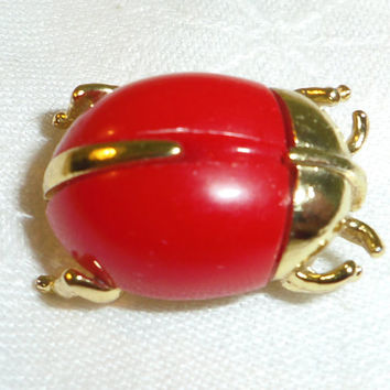 Sarah Coventry Ladybug Brooch Red Plastic Goldtone 1960s Bug a Boo Insect Beetle