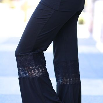 Take Your Pick Monoreno Crochet Pants (Black)