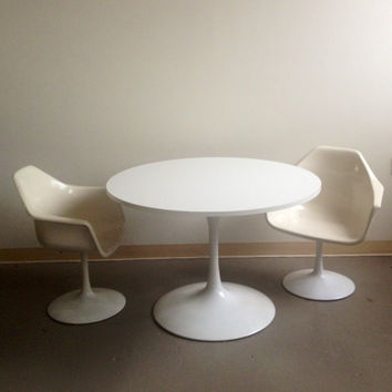 Mid-Century Modern Vintage Tulip Pedestal Dining Set 60s Table and Set of Four Chairs Eero Saarinen Knoll Style Retro